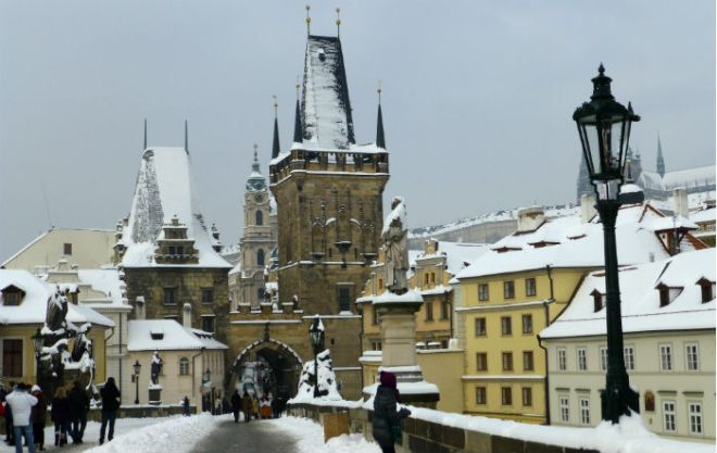 View from Charles Bridge over to Kleinseite in Prague