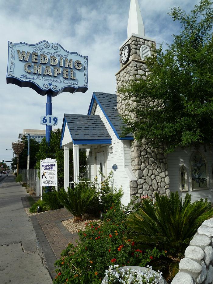 Graceland Wedding Chapel at Las Vegas