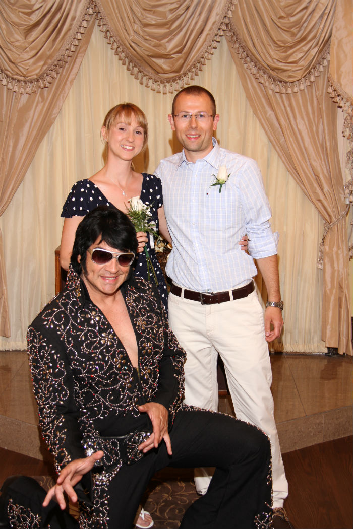 A picture for the family album: Me, Moritz and Elvis on our wedding day
