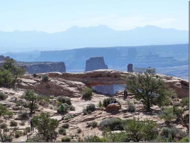 canyonlands_mesa_arch4.jpg