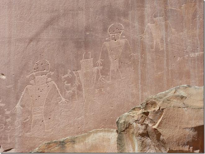 capitol_reef_petroglyphs1.jpg