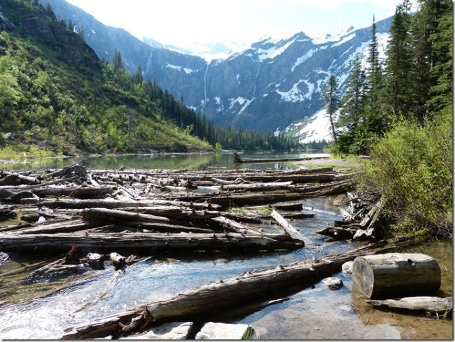 glacier_lake_avalanche4.jpg
