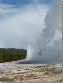 yellowstone_old_faithful2.jpg
